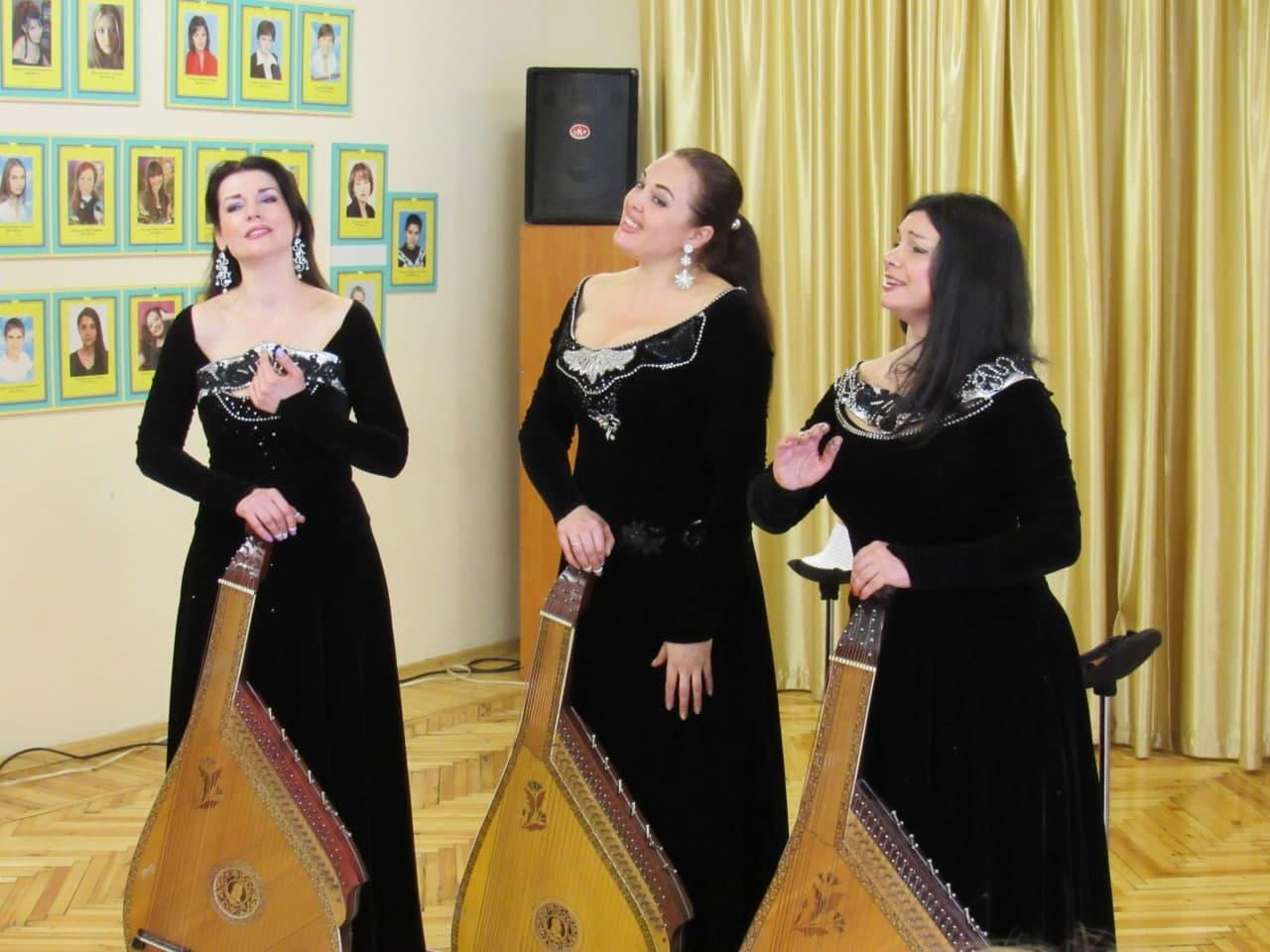 Тріо бандуристок «Купава» дали концерт у школі